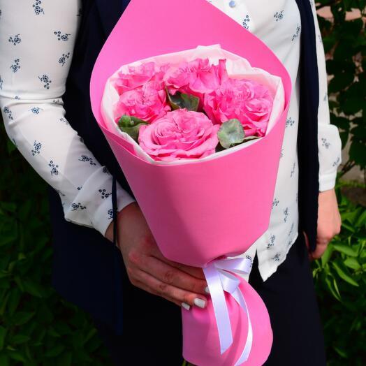 Букет из 5 пионовидных роз