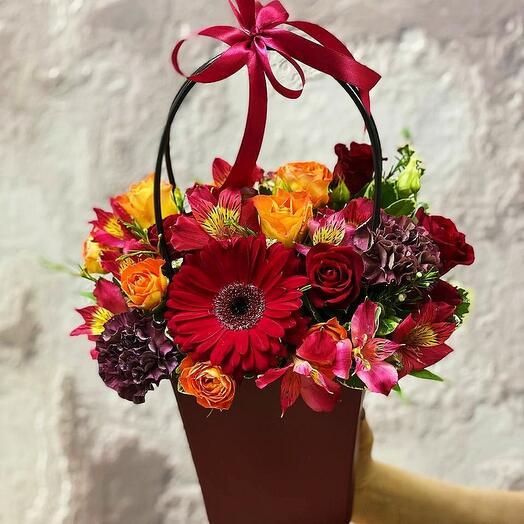 """Цветы в коробке""""Моя вишенка"""""""