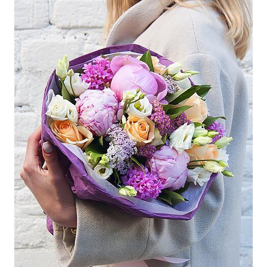 """Букет цветов """"Глазурь"""" из пионов, гиацинтов, эустомы, розы, ваксфлауэра"""