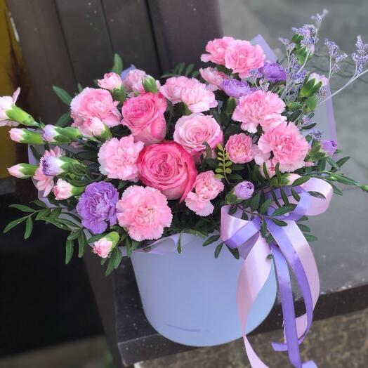 """Цветы в шляпной коробке  """"лиловая дымка """""""