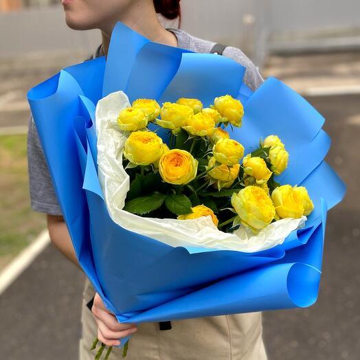 Букет пионовидных желтых роз