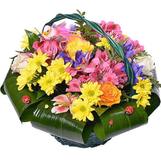 Яркая корзинка цветов: букеты цветов на заказ Flowwow