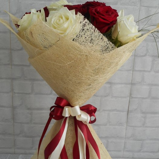 Red and White: flowers to order Flowwow