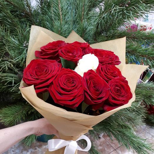 Букет из 11 роз - Только ты: букеты цветов на заказ Flowwow