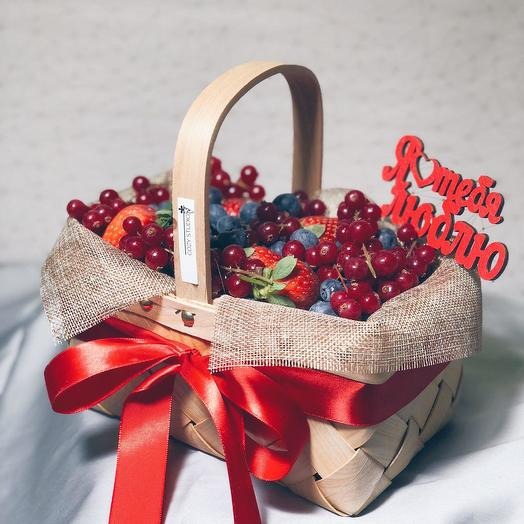 Букет из ягод в лукошке 92: букеты цветов на заказ Flowwow