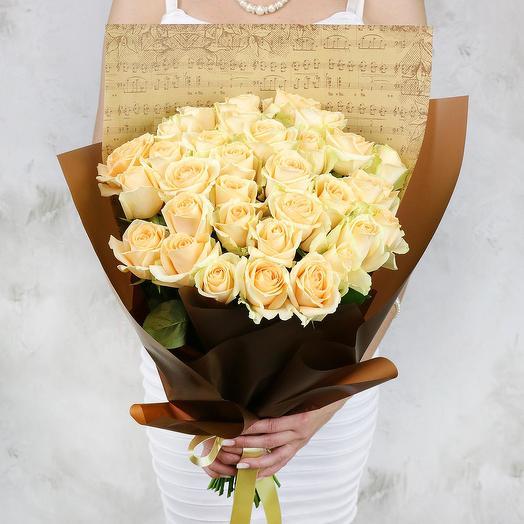 Букет из 33 желтых роз в оригинальной упаковке