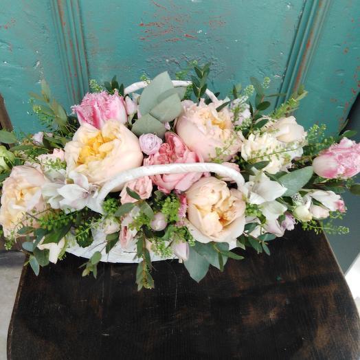 Корзина праздник: букеты цветов на заказ Flowwow