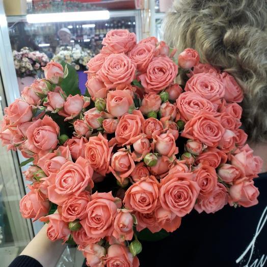 19 роз кустовых: букеты цветов на заказ Flowwow
