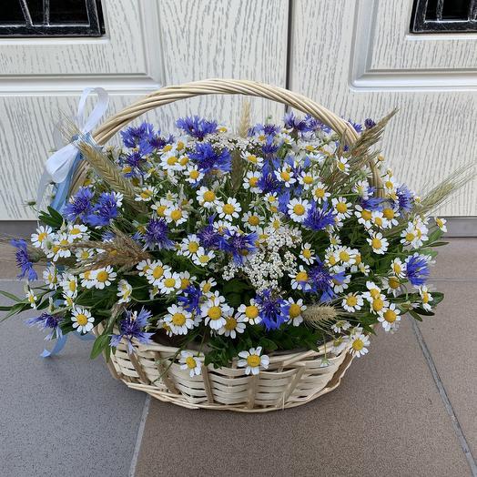 Корзинка полевых цветов: букеты цветов на заказ Flowwow