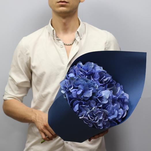 Синее облако из 5 гортензий: букеты цветов на заказ Flowwow