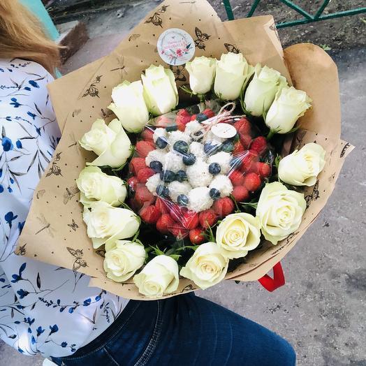 Клубничное совершенство: букеты цветов на заказ Flowwow