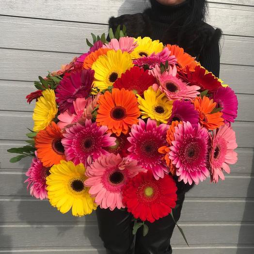 Букет из 35 Гербер: букеты цветов на заказ Flowwow