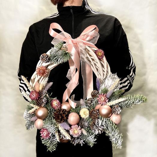 НОВОГОДНИЙ ВЕНОК НЕЖНЫЙ: букеты цветов на заказ Flowwow