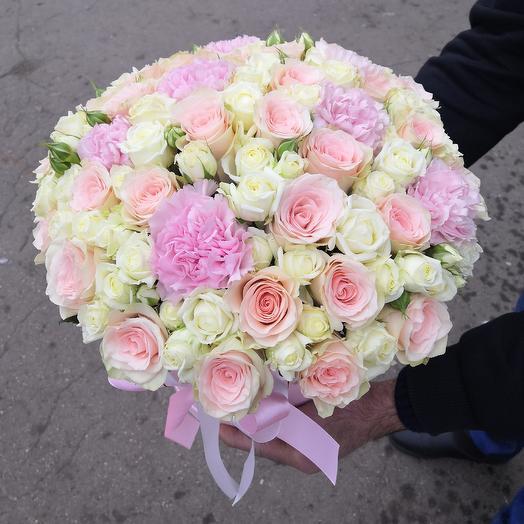 Шляпная коробочка в нежных тонах: букеты цветов на заказ Flowwow