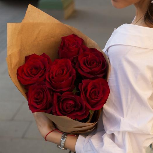 7 алых роз: букеты цветов на заказ Flowwow