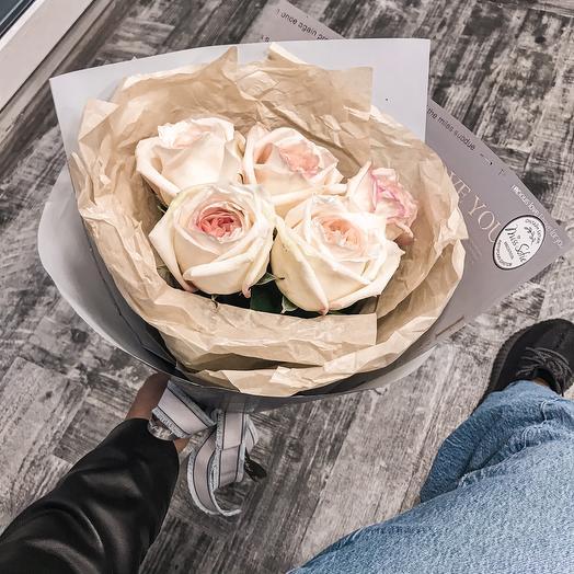 Букет с парфюмированные розой