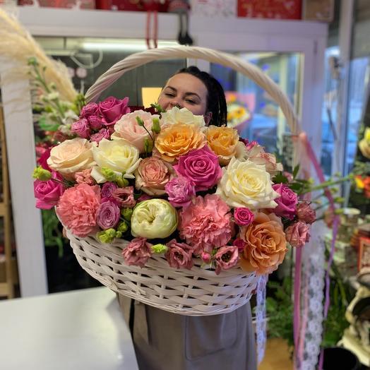 Корзина с цветами Luxurious wed