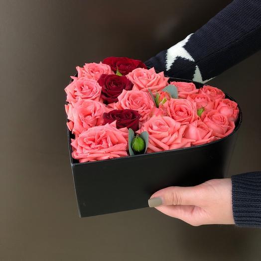Коробка сердце с кустовой розой