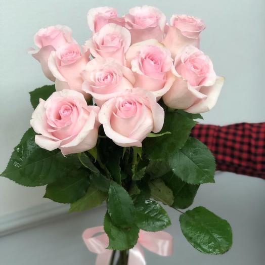 11 нежно-розовых роз 60 см