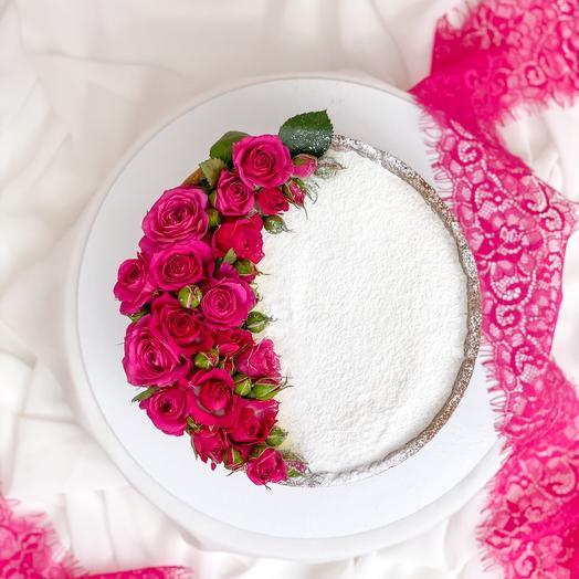 Торт «Чизкейк с малиновыми розами»