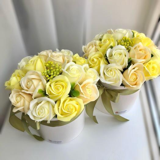 Цветы в коробке мыльные розы