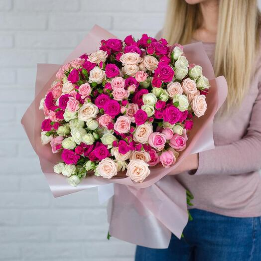 Монобукет 19 кустовых роз микс