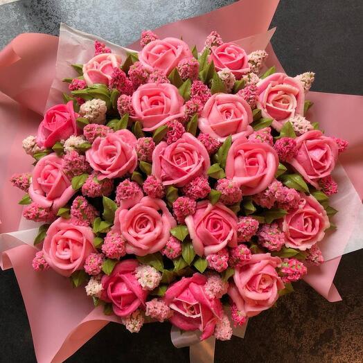 Вкусный букет из 19 капкейков: розы и гиацинты