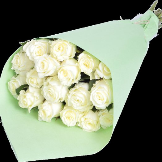 25 белых роз в  бумаге: букеты цветов на заказ Flowwow
