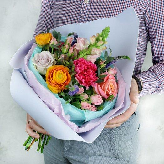 Авторский букет из роз ранункулуса и вероники: букеты цветов на заказ Flowwow
