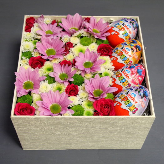 КОРОБКА С ЦВЕТАМИ : букеты цветов на заказ Flowwow