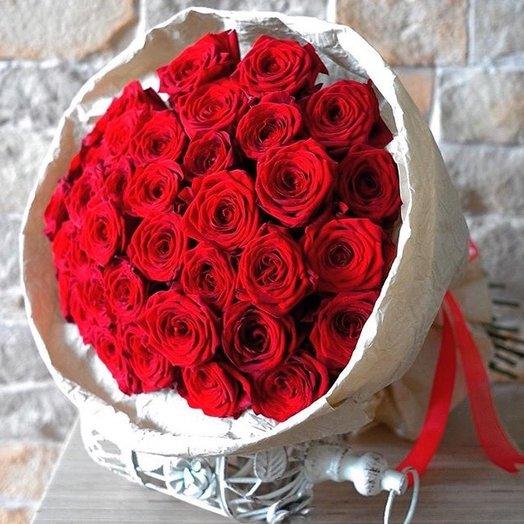 29 красных роз: букеты цветов на заказ Flowwow