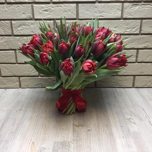 51 красный пионовидный тюльпан: букеты цветов на заказ Flowwow