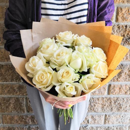 Моно-букет 15 роз: букеты цветов на заказ Flowwow