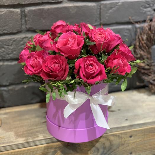 "Шляпная коробка ""Малиновый рассвет"": букеты цветов на заказ Flowwow"