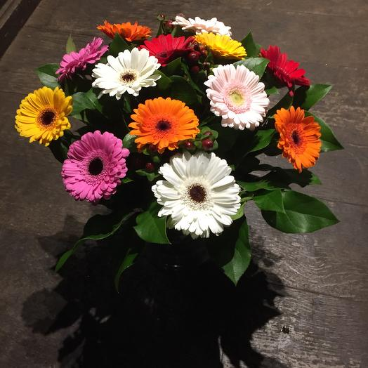Mix germini bouquet with green