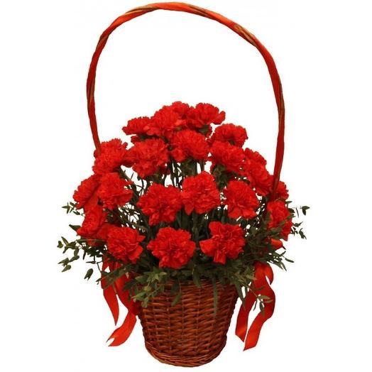 Ритуальный букет из красных гвоздик