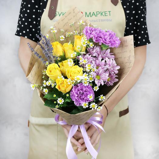 Букет из желтых роз, гвоздик и хризантемы