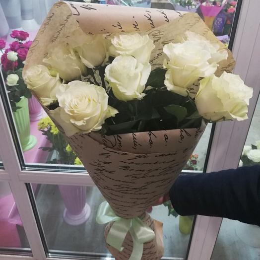 Букет из 9 белых роз Эквадор 60 см в упаковке Крафт