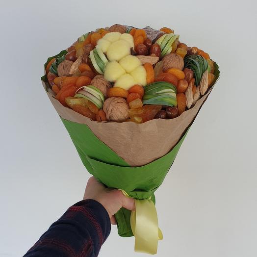 Сухофруктово - ореховый с хлопком букет