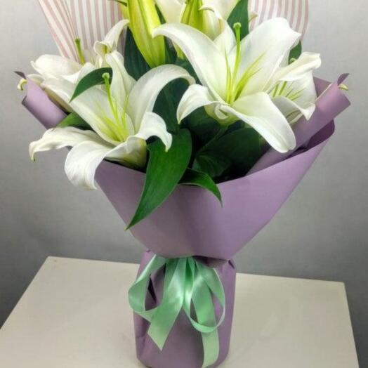 3 лилии