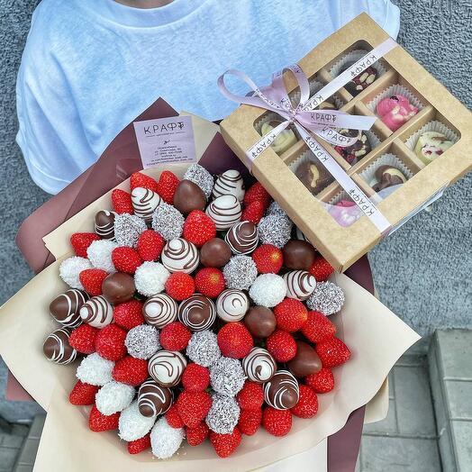 Набор 3 Клубничный букет и коробочка с шоколадным конфетами
