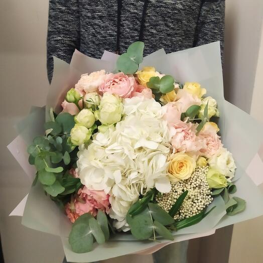 Букет Кинг Сайз XXL с пионовидными розами Дэвида Остина