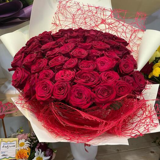 Букет алая роза
