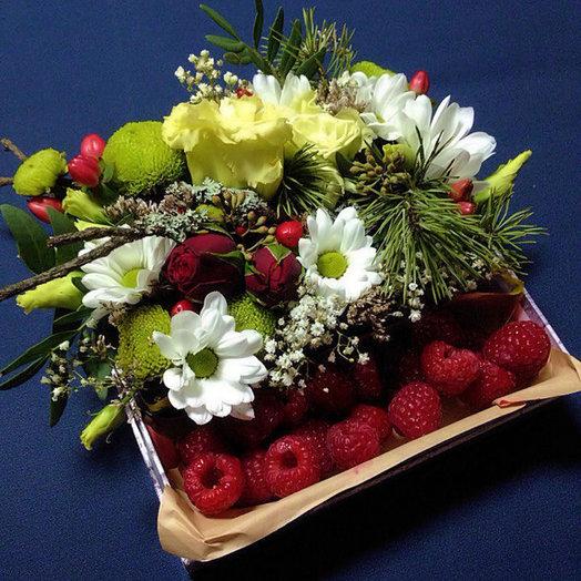 Коробочка с малиной: букеты цветов на заказ Flowwow