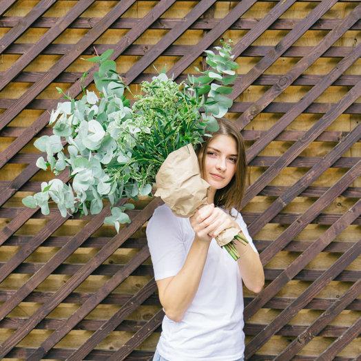 Эвкалиптовый: букеты цветов на заказ Flowwow