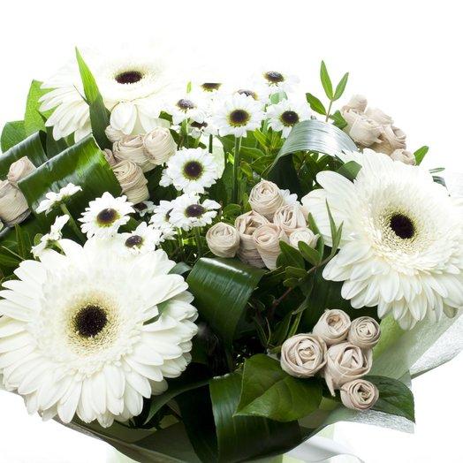 Монохромный букет из гербер: букеты цветов на заказ Flowwow
