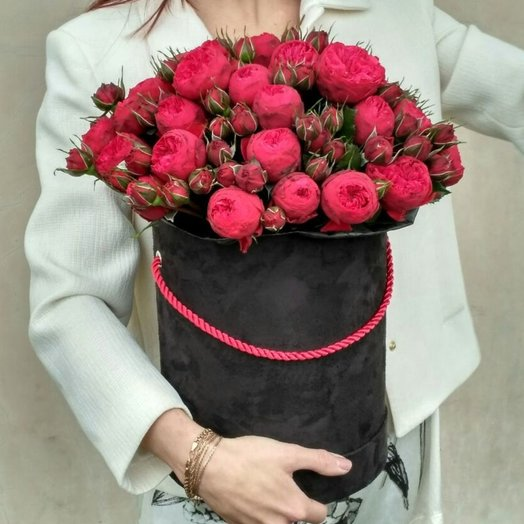 Розы Ред Пиано в черной коробке: букеты цветов на заказ Flowwow