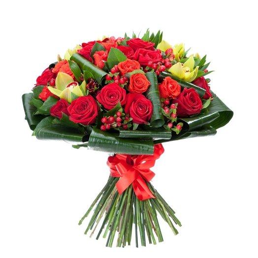 Букет с красной розой Наоми: букеты цветов на заказ Flowwow