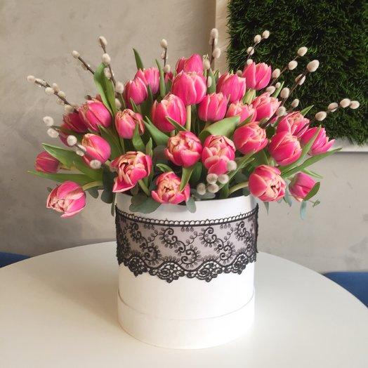 Тюльпаны и верба: букеты цветов на заказ Flowwow