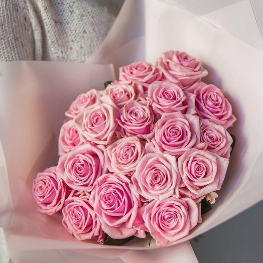 Букет нежных розовых роз: букеты цветов на заказ Flowwow